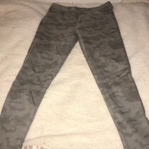 American Eagle Camo Hi-Rise Next Level Stretch